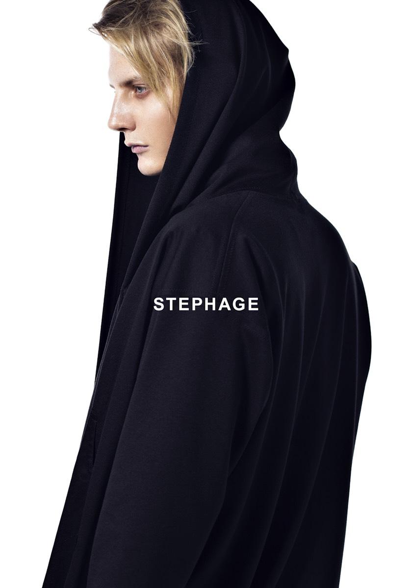 Stephage Hochformat Squashed